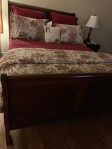 Pottery Barn Queen Duvet Cover and Shams in Naperville, Illinois