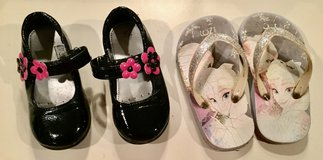 Toddler Girls Size (9) Shoes in Westmont, Illinois