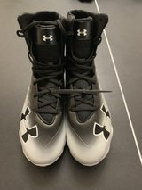 under armour men's size 9 high top cleats in Kingwood, Texas