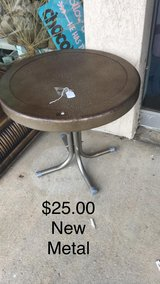 Round Table (Metal) New in Fort Leonard Wood, Missouri