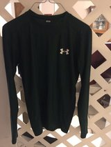Boys long sleeve Under Armour Medium in Spring, Texas