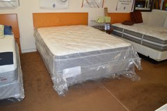 New Queen Super Pillow Top set in Tacoma, Washington