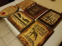 Wooden signs/wall decor in Alamogordo, New Mexico