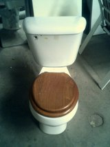 Toilet, standard round in Alamogordo, New Mexico