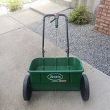 Scotts Turf Spreader in Fort Campbell, Kentucky