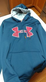 Under Armour Sweatshirt in Naperville, Illinois