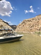 1997 Maxum 21ft v8 wakeboard tower in 29 Palms, California