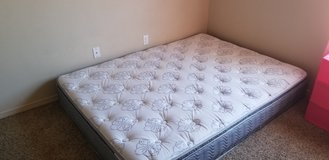 Pillow top queen mattress in Alamogordo, New Mexico