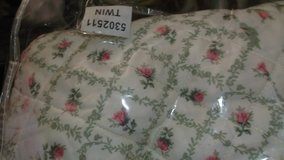 floral quilted twin bedspread in Alamogordo, New Mexico
