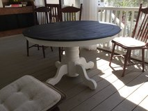 """48"""" round dining table in Beaufort, South Carolina"""
