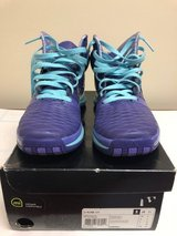 Adidas D-Rose 3.5 Size 8.5 Basketball Shoes in Naperville, Illinois