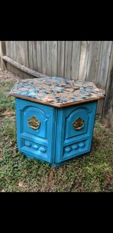Beautiful Octagon Piece in Tomball, Texas