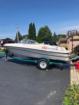 Four Winns Horizon QX 17' Runabout in Oswego, Illinois