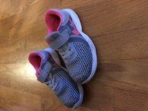 Toddler girls nike shoes in Joliet, Illinois