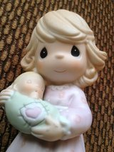 """Gorgeous Precious Moments Figurine.  Always Close to my Heart, 2004, 5"""" in Ramstein, Germany"""