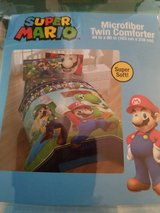 Super Mario  bros. Comforter new in Bolingbrook, Illinois