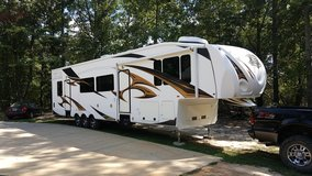 2011 XLR By Forest River 5th Wheel Toy Hauler Camper M40x12 in Warner Robins, Georgia