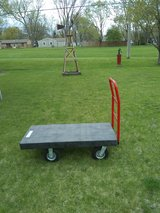 Rubber Maid 4 wheel Cart in Glendale Heights, Illinois