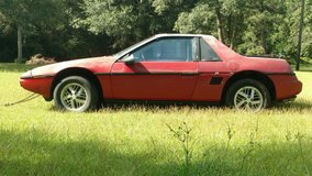 PONTIAC FIERO (selling for someone) - Project car - RUNS (needs tires) in Kingwood, Texas