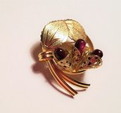 Gold Tone Maroon Red Leaves Leaf Floral Flower Pedal Brooch Lapel Pin Scarf in Fort Hood, Texas