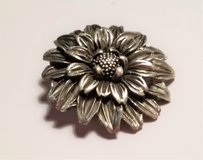 Vintage Fine Pewter E 1990 SN 925 Bouquet  Floral Flower Pedal Brooch Lapel Pin in Kingwood, Texas