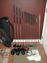 Mens RH Golf Club Set with Stand Bag & Extras in Chicago, Illinois