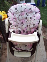 Graco High Chair With 2 Removable Trays & Reclines in Alamogordo, New Mexico