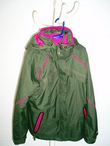 Columbia 3 in 1 jacket size 10/12 in Stuttgart, GE