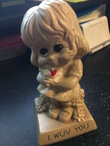 """vintage 1970s """"I Wuv You"""" little girl statue in Byron, Georgia"""