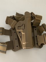 Drop Leg Holster Pistol Right Hand Pouch For 9MM (tan) in Camp Pendleton, California