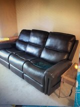 Flexsteel Double Lift Recliner Sofa--Recliner for 2 or Sofa for 3! Barely Used. Located downstate in Naperville, Illinois