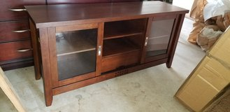 (Pending Sale) TV Stand in Okinawa, Japan