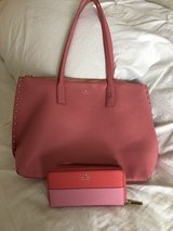 Kate spade tote with wallet in Bartlett, Illinois