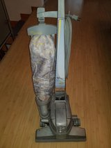 KIRBY VACUUM Ultimate G7 with Box of Connectors, Hoses, Brush tools in Wiesbaden, GE