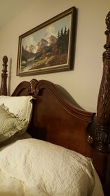 King bed/2 nightstands in Kingwood, Texas