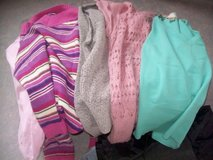 Boxfull Mix Shirts-Sweaters in Ramstein, Germany