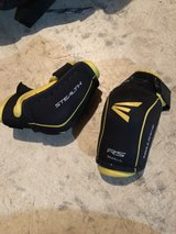 Easton youth hockey elbow pads in Oswego, Illinois
