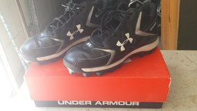 Under Armour Hammer Football Cleats size  9 1/2 in Warner Robins, Georgia