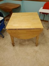 leaf table in Westmont, Illinois