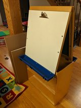 Classroom type easel in Naperville, Illinois