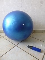 yoga ball 65 cm in Stuttgart, GE