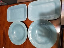 Rachael Ray serving plates and bowls in Fort Campbell, Kentucky