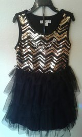 sequined dress w/ necklace in Alamogordo, New Mexico