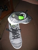 Boys size 5 shoes in Fort Campbell, Kentucky