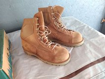Danner USMC Steel-Toe Boots Size 9.5 EE in Fort Leonard Wood, Missouri
