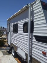 2013 Coachman clipper self contained camping trailer. in Yucca Valley, California