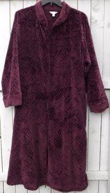 New! Sz: 3X (22-24W) Robe by Secret Treasures Sleepwear in Westmont, Illinois