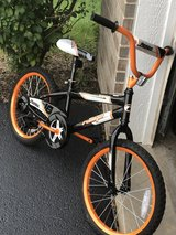 "18"" bicycle w training wheels in Joliet, Illinois"