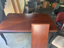 Beautiful Wood Table and Six (6) chairs and a leaf in Naperville, Illinois