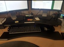 Sit and stand Desk in Ramstein, Germany